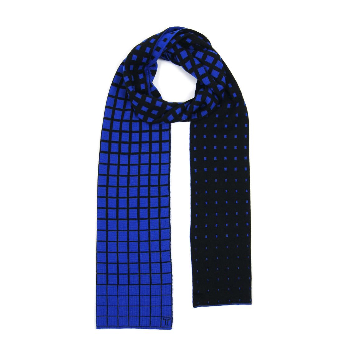 Thijs-Verhaar-sjaal-scarf-paradigma-Cobalt-1